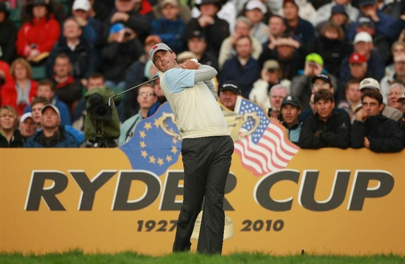 NEWPORT, WALES - OCTOBER 01:  Matt Kuchar of the USA tees off on the 7th hole during the Morning Fourball Matches during the 2010 Ryder Cup at the Celtic Manor Resort on October 1, 2010 in Newport, Wales.  (Photo by Andrew Redington/Getty Images)