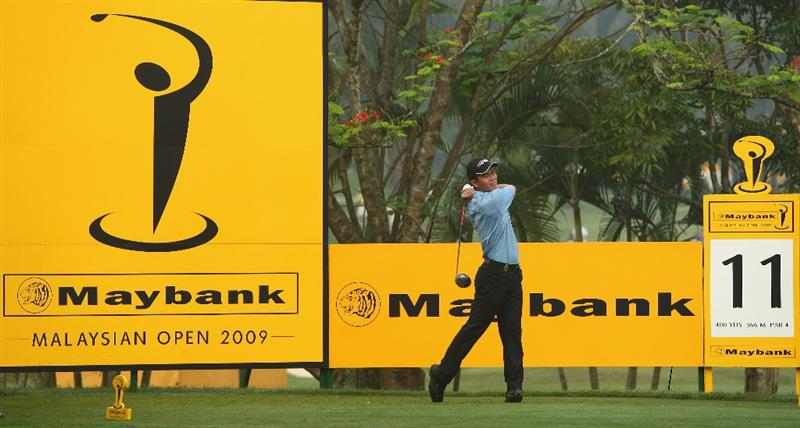 KUALA LUMPUR, MALAYSIA - FEBRUARY 12:  Wen-Chong Liang of China in action during the first round of the 2009 Maybank Malaysian Open at Saujana Golf and Country Club on February 12, 2009 in Kuala Lumpur, Malaysia.  (Photo by Ian Walton/Getty Images)