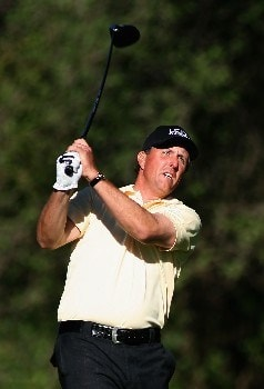 PACIFIC PALISADES, CA - FEBRUARY 15:  Phil Mickelson hits a tee shot on the 12th hole during the second round of the Northern Trust Open at the Riviera Country Club February 15, 2008 in Pacific Palisades, California.  (Photo by Christian Petersen/Getty Images)