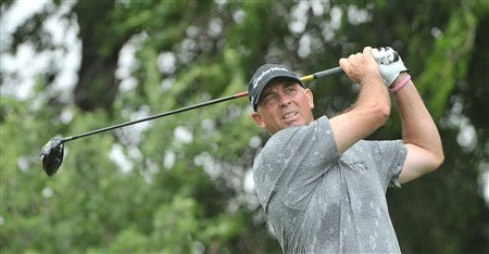 FORT WORTH , TX - MAY 22: Tom Lehman tees off the ninth hole par three  during the first round of the Crown Plaza Invitational at Colonial Country Club on May 22, 2008 in Ft. Worth, Texas.  (Photo by Marc Feldman/Getty Images)