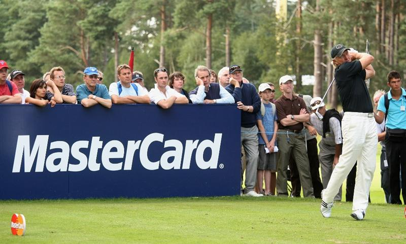 SUNNINGDALE, ENGLAND - JULY 25:  Greg Norman of Australia tees off on the 16th hole during the third round of The Senior Open Championship presented by MasterCard held on the Old Course at Sunningdale Golf Club on July 25, 2009 in Sunningdale, England.  (Photo by Warren Little/Getty Images)