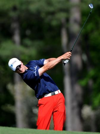 AUGUSTA, GA - APRIL 09:  Zach Johnson hits his tee shot on the 12th hole during the first round of the 2009 Masters Tournament at Augusta National Golf Club on April 9, 2009 in Augusta, Georgia.  (Photo by Harry How/Getty Images)
