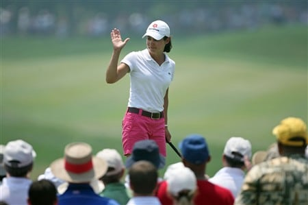 HAVRE DE GRACE, MD - JUNE 07:  Lorena Ochoa of Mexico waves to the crowd on the tee of the 1st hole during the third round of the McDonald's LPGA Championship at Bulle Rock Golf Course on June 7, 2008 in Havre de Grace, Maryland.  (Photo by Andy Lyons/Getty Images)