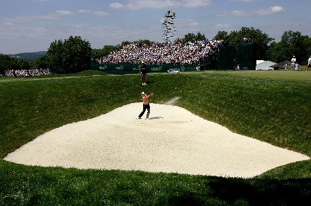 OAKMONT, PA - JUNE 15:  Ricky Barnes hts out of a bunker on the 17th hole during the second round of the 107th U.S. Open Championship at Oakmont Country Club on June 15, 2007 in Oakmont, Pennsylvania.  (Photo by Harry How/Getty Images)