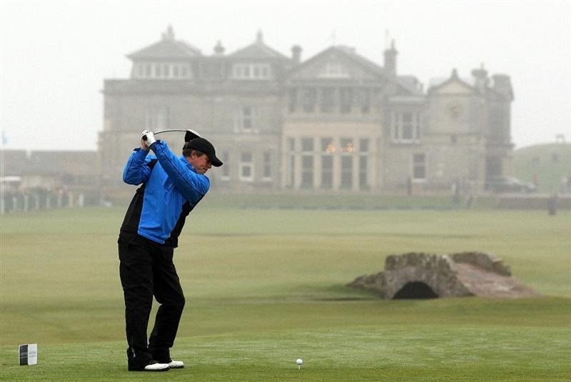 ST ANDREWS, SCOTLAND - OCTOBER 08:  Hollywood actor Hugh Grant drives off the 18th tee during the second round of The Alfred Dunhill Links Championship at The Old Course on October 8, 2010 in St Andrews, Scotland.  (Photo by Ross Kinnaird/Getty Images)