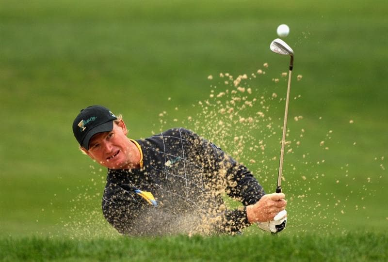 SAN FRANCISCO - OCTOBER 11:  Ernie Els of the International Team plays out of the fifth greenside bunker during the Day Four Singles Matches of The Presidents Cup at Harding Park Golf Course on October 11, 2009 in San Francisco, California.  (Photo by Warren Little/Getty Images)