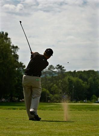 ENDICOTT, NY - JUNE 28:  Lonnie Nielsen hits his tee shot on the 7th hole during the final round of The Dick's Sporting Goods Open at En-Joie Golf Club on Sunday, June 28, 2009 in Endicott, New York  (Photo by Mike Ehrmann/Getty Images)