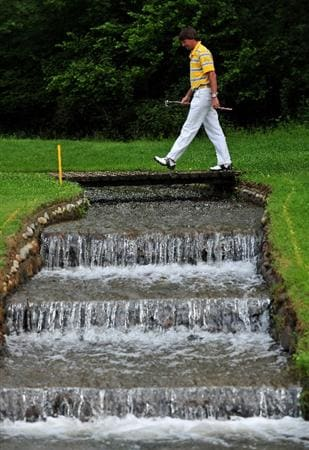 TURIN, ITALY - MAY 10:  Robert - Jan Derksen of The Netherlands on the fifth hole during the final round of the BMW Italian Open at Royal Park I Roveri on May 10, 2009 near Turin, Italy.  (Photo by Stuart Franklin/Getty Images)