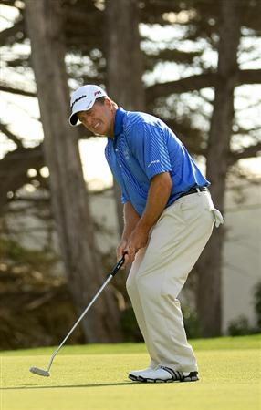 SAN FRANCISCO - NOVEMBER 04:  Fred Funk makes a birdy putt on the 16th hole during round 1 of the Charles Schwab Cup Championship at Harding Park Golf Course on November 4, 2010 in San Francisco, California.  (Photo by Ezra Shaw/Getty Images)