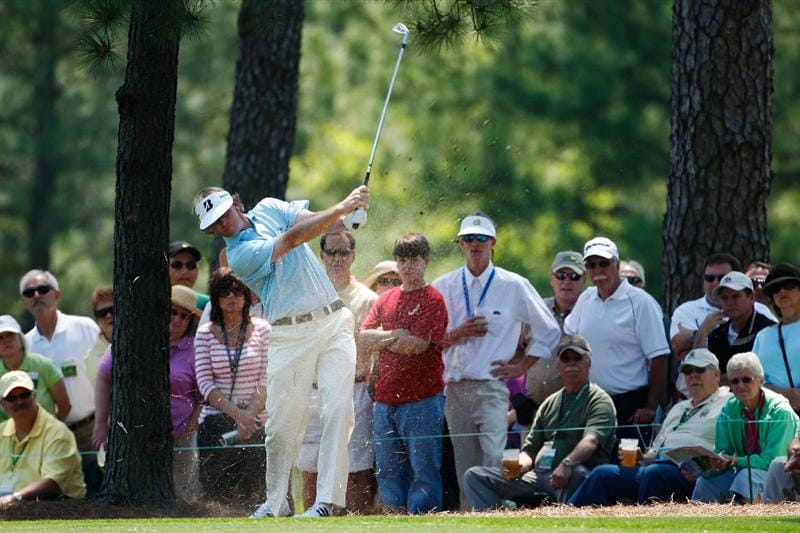 AUGUSTA, GA - APRIL 09:  Brandt Snedeker hits a shot on the first hole during the first round of the 2009 Masters Tournament at Augusta National Golf Club on April 9, 2009 in Augusta, Georgia.  (Photo by Jamie Squire/Getty Images)