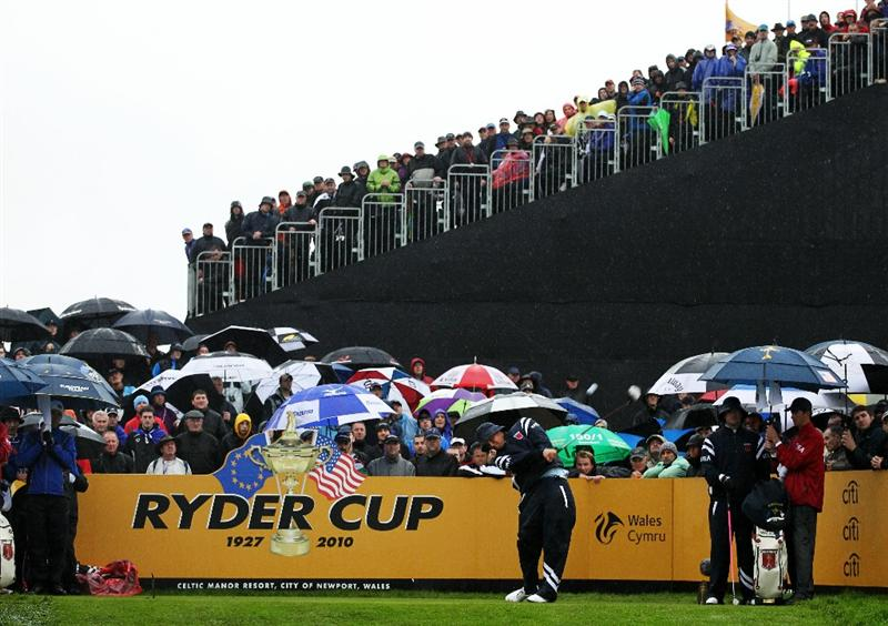 NEWPORT, WALES - OCTOBER 01:  Jeff Overton of the USA hits his tee shot on the second hole during the Morning Fourball Matches during the 2010 Ryder Cup at the Celtic Manor Resort on October 1, 2010 in Newport, Wales.  (Photo by Jamie Squire/Getty Images)