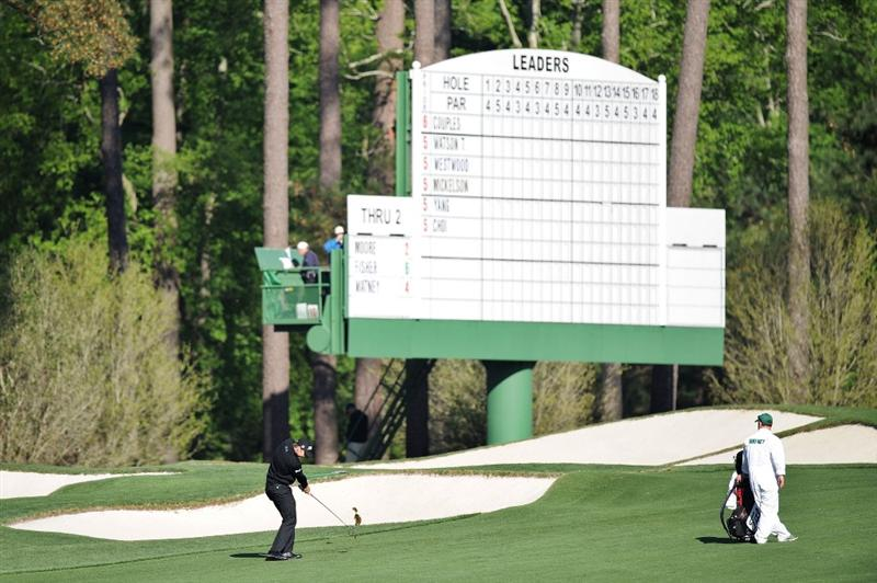 AUGUSTA, GA - APRIL 09:  Nick Watney plays a shot on the third hole during the second round of the 2010 Masters Tournament at Augusta National Golf Club on April 9, 2010 in Augusta, Georgia.  (Photo by Harry How/Getty Images)