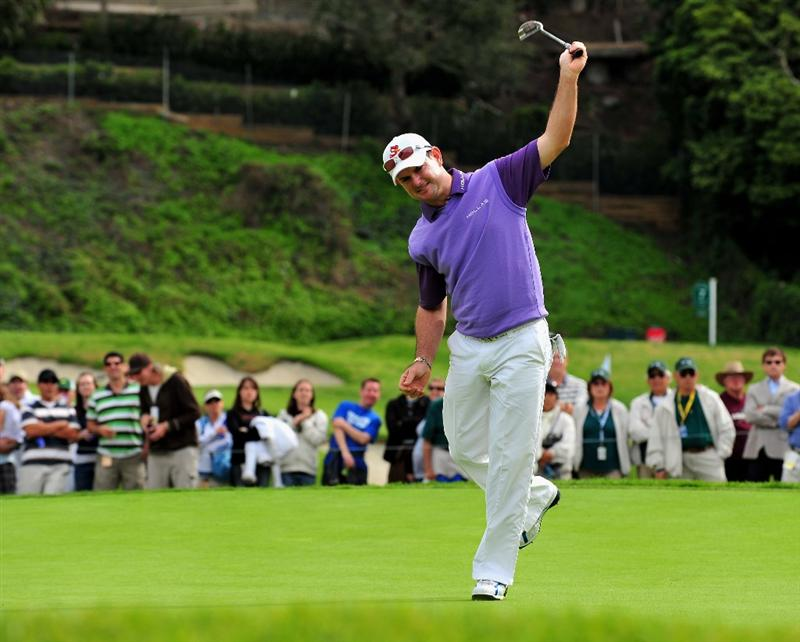 PACIFIC PALISADES, CA - FEBRUARY 21:  Rory Sabbatini of South Africa reacts to his putt on the 16th hole during the third round of the Northern Trust Open at the Riviera Country Club February 21, 2009 in Pacific Palisades, California.  (Photo by Stuart Franklin/Getty Images)