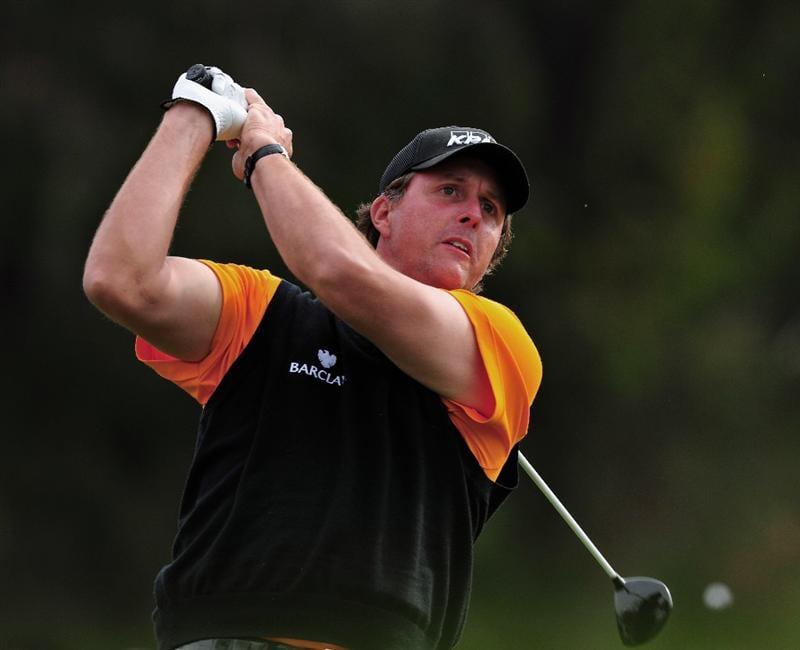 PACIFIC PALISADES, CA - FEBRUARY 21:  Phil Mickelson of the USA plays his tee shot on the second hole during the third round of the Northern Trust Open at the Riviera Country Club February 21, 2009 in Pacific Palisades, California.  (Photo by Stuart Franklin/Getty Images)