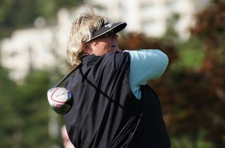 KYONGJU, SOUTH KOREA - OCTOBER 20: Laura Davies of England tees off on the 10th hole during the second round of the Kolon Championship 2007 at Mauna Ocean Golf Course on October 20, 2007 in Kyongju, South Korea. (Photo by Chung Sung-Jun/Getty Images)