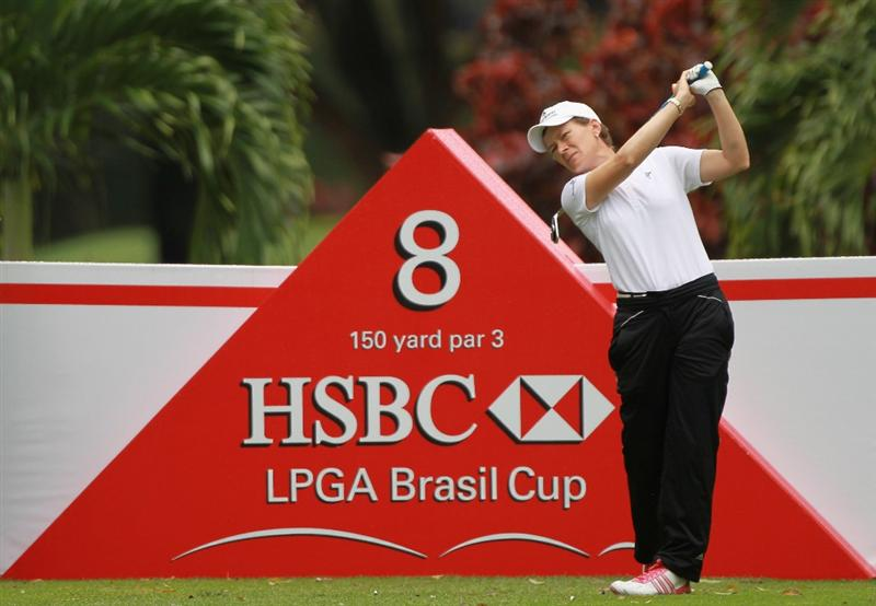 RIO DE JANEIRO, BRAZIL - MAY 28:  Catriona Matthew of Scotland watches her tee shot on the eighth hole during the first round of the HSBC LPGA Brazil Cup at the Itanhanga Golf Club on May 28, 2011 in Rio de Janeiro, Brazil.  (Photo by Scott Halleran/Getty Images)