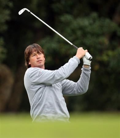 SOTOGRANDE, SPAIN - NOVEMBER 01:  Robert-Jan Derksen of The Netherlands on the par four 10th hole during the second round of the Volvo Masters at the Valderrama Golf Club on November 1, 2008 in Sotogrande, Spain.  (Photo by Ross Kinnaird/Getty Images)