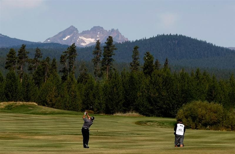 SUNRIVER, OR - AUGUST 23:  Mark O'Meara hits his second shot on the 6th hole during the final round of the Jeld-Wen Tradition on August 23, 2009 at  the Crosswater Club at Sunriver Resort in Sunriver, Oregon.  (Photo by Jonathan Ferrey/Getty Images)