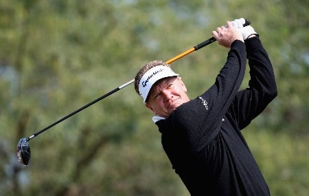 DOHA, QATAR - JANUARY 24:  Paul Broadhurst of England on the par five 18th hole during the first round of the Commercial Bank Qatar Masters held at the Doha Golf Club on January 24, 2008 in Doha,Qatar.  (Photo by Ross Kinnaird/Getty Images)