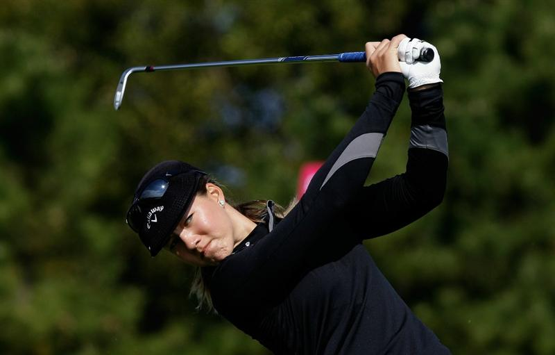 INCHEON, SOUTH KOREA - OCTOBER 31:  Vicky Hurst of United States hits a tee shot on the 3rd hole during the 2010 LPGA Hana Bank Championship at Sky 72 Golf Club on October 31, 2010 in Incheon, South Korea.  (Photo by Chung Sung-Jun/Getty Images)