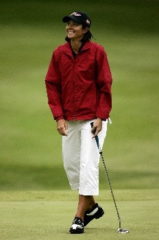 EDMONTON, CANADA - AUGUST 18:  Laura Diaz celebrates a birdie putt on the third hole during the third round of the LPGA CN Canadian Women's Open 2007 on August 18, 2007 at the Royal Mayfair Golf Club in Edmonton, Alberta, Canada.  (Photo by Robert Laberge/Getty Images)