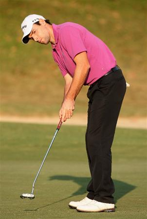 HONG KONG, CHINA - NOVEMBER 20:  Oliver Wilson of England putting on the 17th hole during the first round of the UBS Hong Kong Open at the Hong Kong Golf Club on November 20, 2008 in Fanling, Hong Kong.  (Photo by Stuart Franklin/Getty Images)