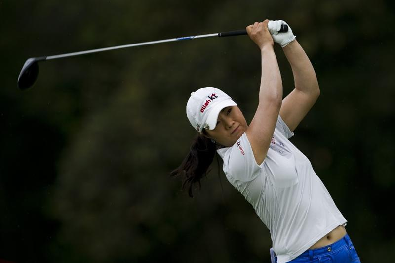 CHON BURI, THAILAND - FEBRUARY 20:  Meena Lee of South Korea tees off on the 9th hole during round three of the Honda PTT LPGA Thailand at Siam Country Club on February 20, 2010 in Chon Buri, Thailand.  (Photo by Victor Fraile/Getty Images)