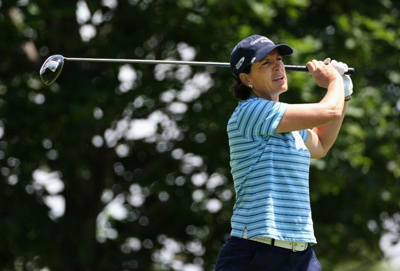 SPRINGFIELD, IL - JUNE 04:  Juli Inkster hits a tee shot on the 11th hole during the first round of the LPGA State Farm Classic golf tournament at Panther Creek Country Club on June 4, 2009 in Springfield, Illinois.  (Photo by Christian Petersen/Getty Images)