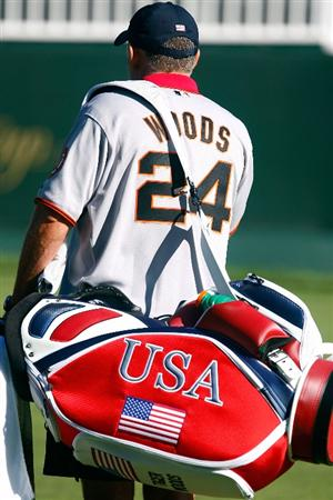 SAN FRANCISCO - OCTOBER 07:  USA Team caddie Steve Williams waits on a green during a practice round prior to the start of The Presidents Cup at Harding Park Golf Course on October 7, 2009 in San Francisco, California.  (Photo by Scott Halleran/Getty Images)