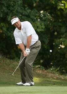 Rod Spittle chips on the 15th hole during the final round of the Champions Tour - 2007 Greater Hickory Classic at Rock Barn Golf and Spa on September 16, 2007 in Conover, North Carolina . Champions Tour - 2007 Greater Hickory Classic at Rock Barn - Final RoundPhoto by Mike Ehrmann/WireImage.com