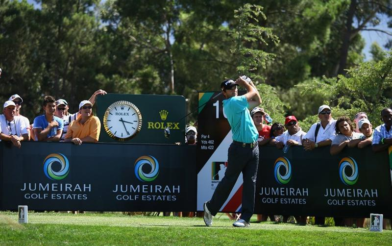 PAARL, SOUTH AFRICA - DECEMBER 21:  Gareth Maybin of Northern Ireland tees off on the 16th hole during the final round of the South African Open Championship at Pearl Valley Golf & Country Club on December 21, 2008 in Paarl, South Africa.  (Photo by Warren Little/Getty Images)