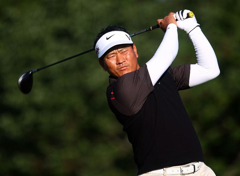 DUBLIN, OH - JUNE 05:  K.J. Choi of South Korea watches his tee shot on the first hole during the second round of the Memorial Tournament at the Muirfield Village Golf Club on June 5, 2009 in Dublin, Ohio.  (Photo by Scott Halleran/Getty Images)