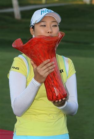 CARLSBAD, CA - MARCH 28:  Hee Kyung Seo of South Korea kisses the trophy after the final round of the Kia Classic Presented by J Golf at La Costa Resort and Spa on March 28, 2010 in Carlsbad, California.  (Photo by Stephen Dunn/Getty Images)