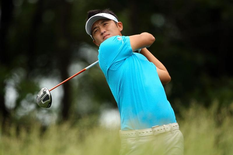 FARMINGDALE, NY - JUNE 15:  Ryuji Imada of Japan hits a shot during the first day of previews to the 109th U.S. Open on the Black Course at Bethpage State Park on June 15, 2009 in Farmingdale, New York.  (Photo by Andrew Redington/Getty Images)
