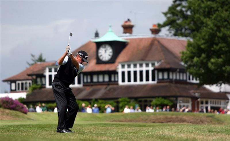 SUNNINGDALE, ENGLAND - JULY 24:  Mark McNulty of Ireland plays his second shot on the 18th hole during the second round of The Senior Open Championship presented by MasterCard held on the Old Course at Sunningdale Golf Club on July 24, 2009 in Sunningdale, England.  (Photo by Andrew Redington/Getty Images)