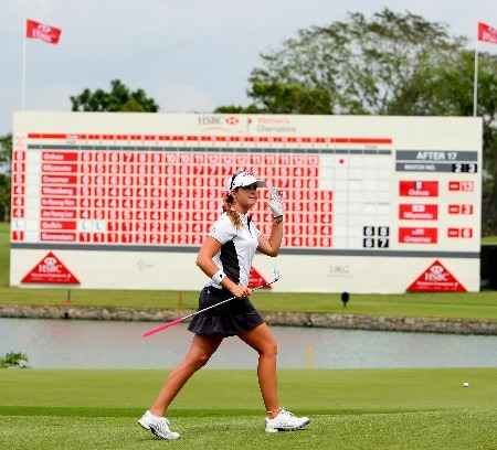 SINGAPORE - FEBRUARY 29:  Paula Creamer of USA acknowledges the crowd on the 18th green during the second round of the HSBC Women's Champions at Tanah Merah Country Club on February 29, 2008 in Singapore.  (Photo by Andrew Redington/Getty Images)