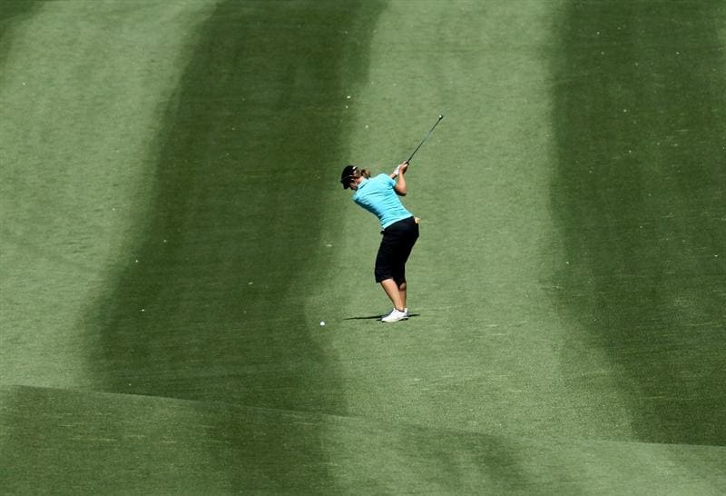 RANCHO MIRAGE, CA - APRIL 01:  Vicky Hurst waves from the fairway on the second hole during the first round of the Kraft Nabisco Championship at Mission Hills Country Club on April 1, 2010 in Rancho Mirage, California.  (Photo by Stephen Dunn/Getty Images)