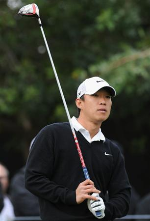 PACIFIC PALISADES, CA - FEBRUARY 18:  Anthony Kim plays his tee shot on the 11th hole during the second round of the Northern Trust Open at Riviera Country Club on February 18, 2011 in Pacific Palisades, California.  (Photo by Stuart Franklin/Getty Images)