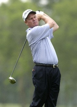 Joe Durant tees off the 12th hole during the first round of the Shell Houston Open, Thursday April 21, 2005 at the Redstone Golf Club, Humbele, Texas.Photo by Marc Feldman/WireImage.com