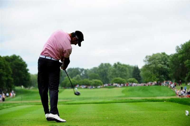 CHASKA, MN - AUGUST 16:  Alvaro Quiros of Spain hits his tee shot on the third hole during the final round of the 91st PGA Championship at Hazeltine National Golf Club on August 16, 2009 in Chaska, Minnesota.  (Photo by Stuart Franklin/Getty Images)