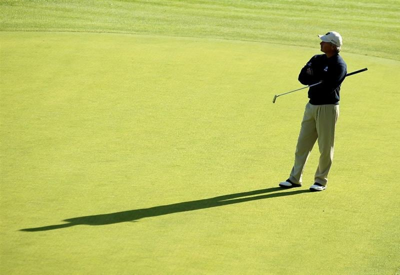 PACIFIC PALISADES, CA - FEBRUARY 20:  Fred Couples waits to putt on the 18th green during the final round of the Northern Trust Open at Riviera Country Club on February 20, 2011 in Pacific Palisades, California. (Photo by Stephen Dunn/Getty Images)