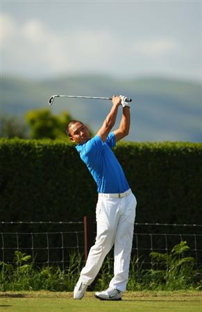 TURNBERRY, SCOTLAND - JULY 14:  Anthony Kim of USA tees off during a practice round prior to the 138th Open Championship on the Ailsa Course, Turnberry Golf Club on July 14, 2009 in Turnberry, Scotland.  (Photo by Richard Heathcote/Getty Images)