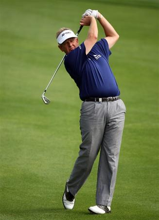 DUBAI, UNITED ARAB EMIRATES - JANUARY 28:  Colin Montgomerie of Scotland during the pro-am event prior to the Dubai Desert Classic on the Majlis Course on January 28, 2009 in Dubai, United Arab Emirates.  (Photo by Ross Kinnaird/Getty Images)