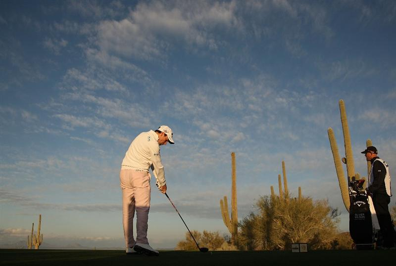 MARANA, AZ - FEBRUARY 20:  Oliver Wilson of England tees off on the second tee box during round four of the Accenture Match Play Championship at the Ritz-Carlton Golf Club on February 20, 2010 in Marana, Arizona.  (Photo by Darren Carroll/Getty Images)