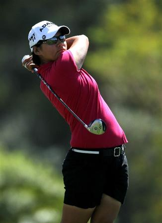 RANCHO MIRAGE, CA - APRIL 03:  Yani Tseng of Taiwan hits her tee shot on the sixth hole during the final round of the Kraft Nabisco Championship at Mission Hills Country Club on April 3, 2011 in Rancho Mirage, California.  (Photo by Stephen Dunn/Getty Images)
