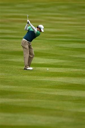 VIRGINIA WATER, ENGLAND - MAY 28:  Rory McIlroy of Northern Ireland plays into the 3rd green during the third round of the BMW PGA Championship at the Wentworth Club on May 28, 2011 in Virginia Water, England.  (Photo by Richard Heathcote/Getty Images)