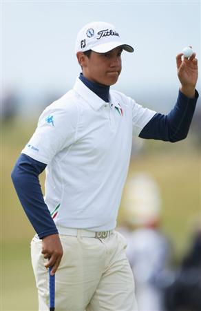 TURNBERRY, SCOTLAND - JULY 18:  Matteo Manassero (Amateur) of Italy acknowledges the crowd during round three of the 138th Open Championship on the Ailsa Course, Turnberry Golf Club on July 18, 2009 in Turnberry, Scotland.  (Photo by Andrew Redington/Getty Images)