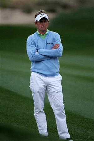 MARANA, AZ - FEBRUARY 26:  Luke Donald of England looks on before playing an approach shot on the second hole during the quarterfinal round of the Accenture Match Play Championship at the Ritz-Carlton Golf Club on February 26, 2011 in Marana, Arizona.  (Photo by Andy Lyons/Getty Images)