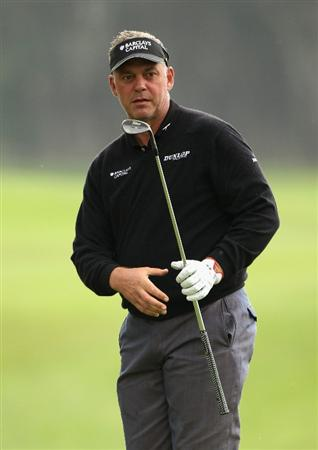 MALAGA, SPAIN - MARCH 25:  Darren Clarke of Nothern Ireland chips onto the 13th green during the first round of the Open de Andalucia 2010 at Parador de Malaga Golf on March 25, 2010 in Malaga, Spain.  (Photo by Warren Little/Getty Images)