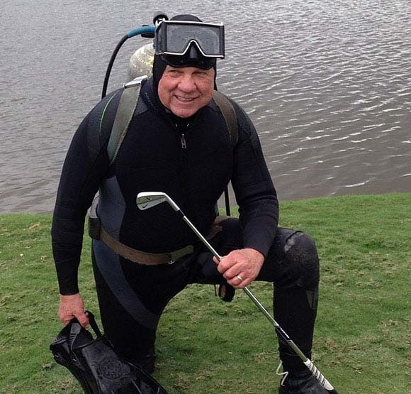 Diver retrieves Rory McIlroy's 3-iron at Doral ... or